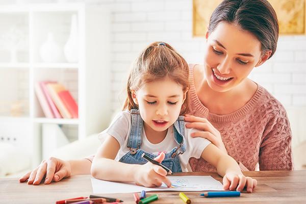 Confira dicas da CNEC para manter a rotina das crianças durante a quarentena