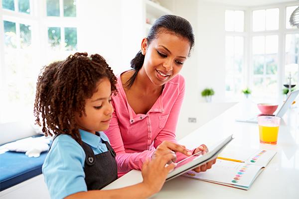 Alunos da educação básica podem complementar os estudos com o app CNEC Digital